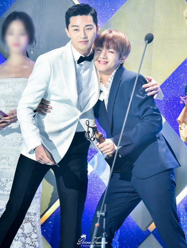 Vì sao các idol khác công ty lại thân nhau? Bạn thân IU hé lộ về con đường bí mật là tụ điểm của giới thực tập sinh Kpop - Ảnh 8.