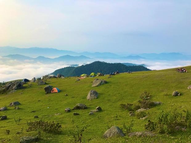 Hết dịch về Bắc Giang chơi: Có hẳn một nơi cắm trại, săn mây, ngắm hoàng hôn đỉnh thế này cơ mà! - Ảnh 2.