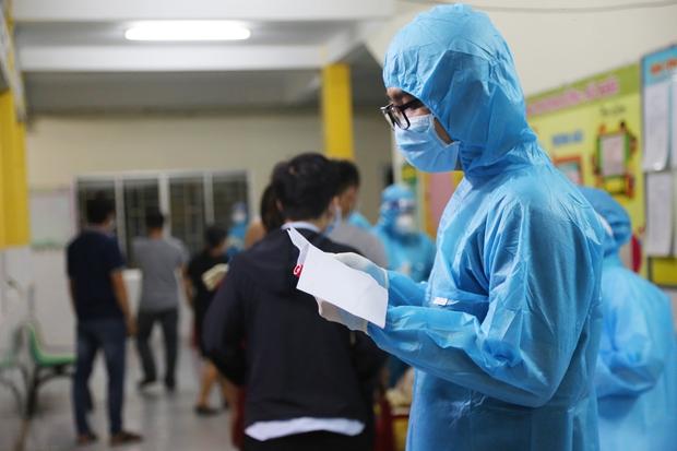 Đã tìm ra được nguồn lây nhiễm của 2 mẹ con mắc Covid-19 đến khám tại BV Đa khoa khu vực Hóc Môn - Ảnh 1.