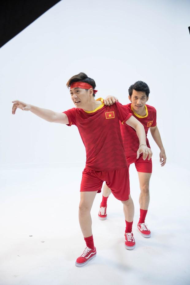 Cười xỉu khi xem dàn Running Man Việt hóa cầu thủ, trùm cuối BB Trần không làm mọi người thất vọng! - Ảnh 3.
