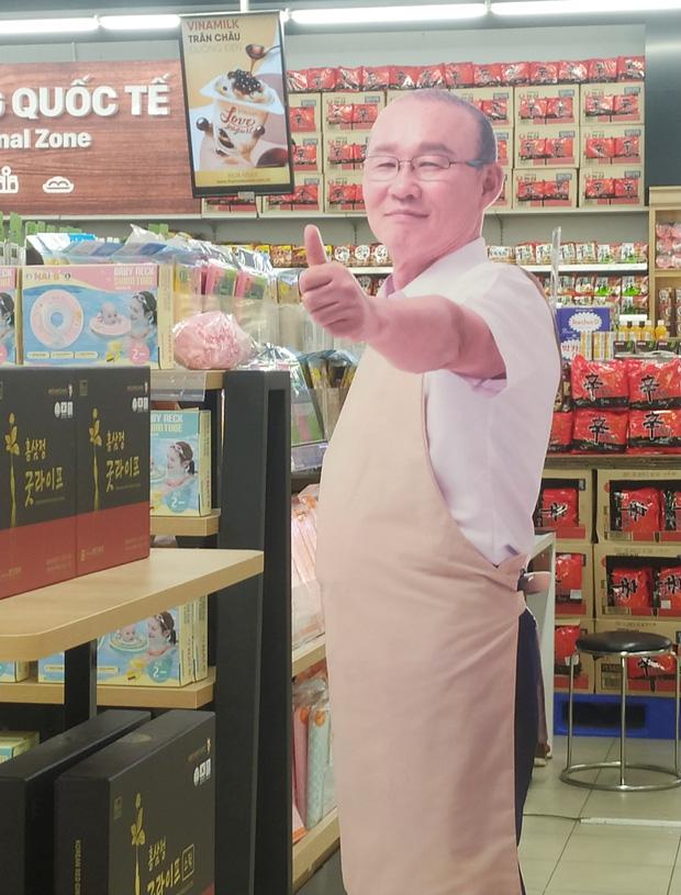 """Điểm danh những lần thầy Park đi bán đồ ăn, đồ uống ở Việt Nam: Có món """"chốt"""" được 1,66 triệu đơn chỉ trong 3 tháng - Ảnh 1."""