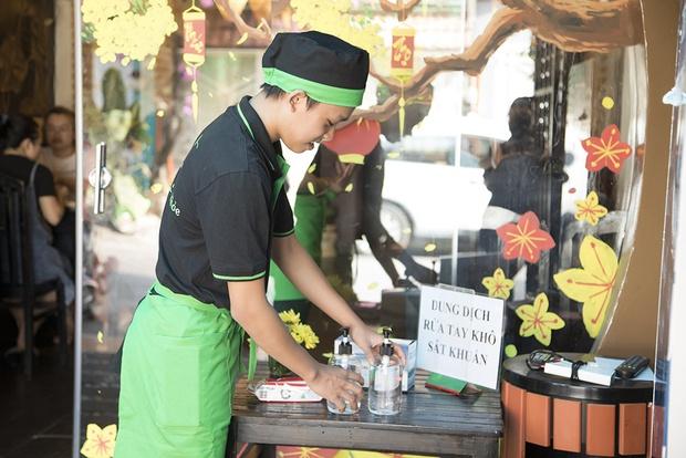 Hồ Văn Cường sau 5 năm đăng quang Vietnam Idol Kids: Thi thoảng đi phụ việc, bố mẹ ruột làm thuê ở quán của Phi Nhung - Ảnh 4.