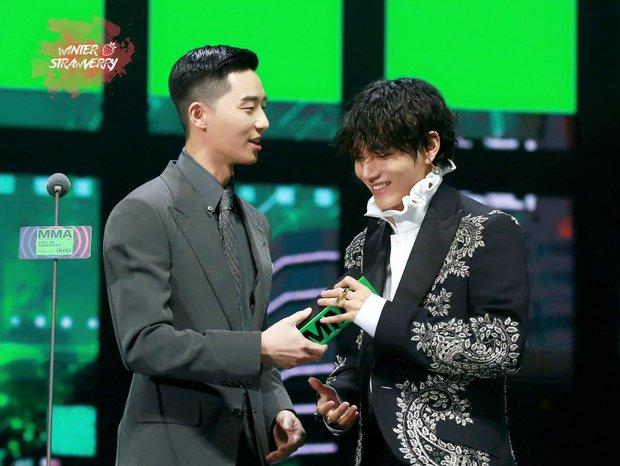 Vì sao các idol khác công ty lại thân nhau? Bạn thân IU hé lộ về con đường bí mật là tụ điểm của giới thực tập sinh Kpop - Ảnh 7.