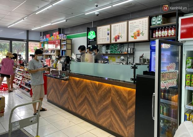 Có gì bên trong cửa hàng WinMart+ kết hợp với Phúc Long lần đầu tiên xuất hiện ở Sài Gòn? - Ảnh 3.