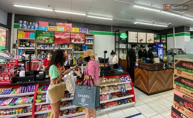 Có gì bên trong cửa hàng WinMart+ kết hợp với Phúc Long lần đầu tiên xuất hiện ở Sài Gòn? - Ảnh 5.