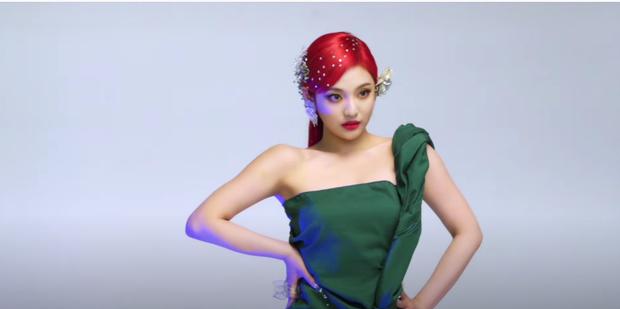 aespa tung ảnh hậu trường Next Level: Sự chú ý của fan đã va vào vẻ đẹp siêu thực của Karina - Ảnh 7.