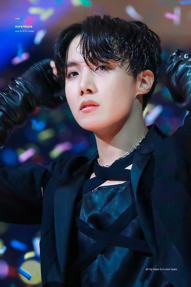 Top dancer đỉnh nhất Kpop: BTS cạnh tranh gà SM, idol dạy Lisa nhảy góp mặt nhưng Lisa thì mất hút? - Ảnh 6.