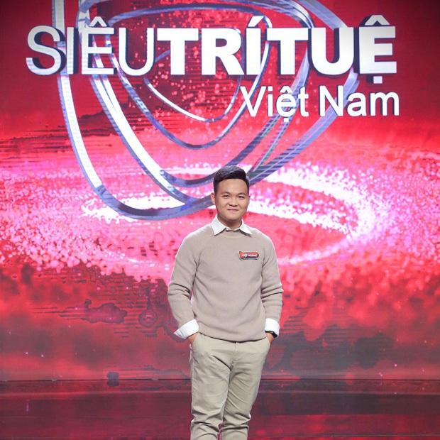 Khoe ảnh giống hệt bố thời trẻ, Hà Việt Hoàng (Siêu Trí Tuệ) tiết lộ chi tiết chứng tỏ học vấn của bố khủng cỡ nào! - Ảnh 2.