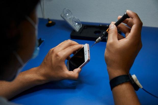 Ảnh nhạy cảm trong iPhone bị tung lên mạng khi mang đi sửa, Apple phải bồi thường nhiều triệu USD cho nữ sinh - Ảnh 1.