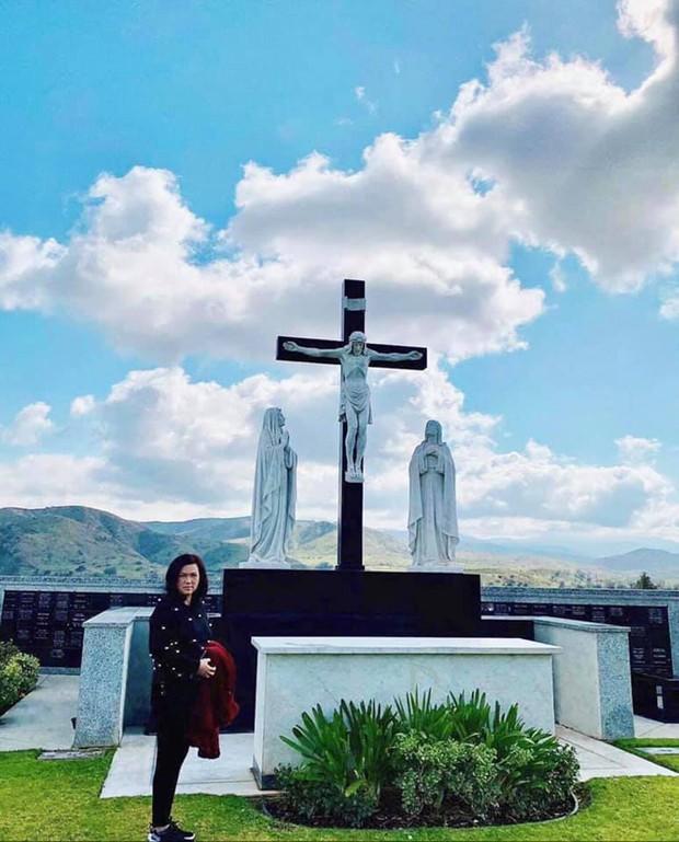 6 tháng sau cố NS Chí Tài qua đời, ca sĩ Phương Loan đến thăm mộ chồng và tâm sự 1 điều khiến ai cũng xót xa - Ảnh 8.
