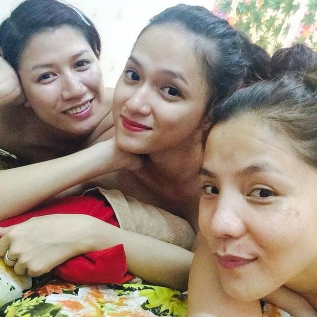 Trước khi cạch mặt nhau, Trang Trần và Hương Giang từng có khoảnh khắc chị chị em em tình cảm thế này! - Ảnh 4.