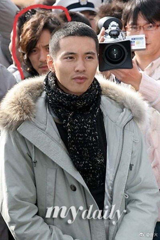 Cả Weibo rần rần hình ảnh anh trai của Won Bin, visual thế nào mà được nhận xét gen gia đình quá mạnh? - Ảnh 3.