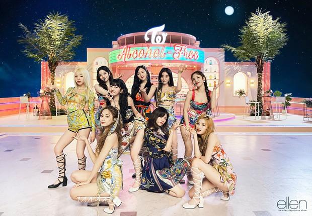 Tranh cãi MV comeback của TWICE: Vnet chê ngang phè, Knet lại khen nhạc chill? - Ảnh 4.