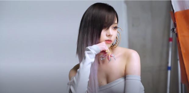 aespa tung ảnh hậu trường Next Level: Sự chú ý của fan đã va vào vẻ đẹp siêu thực của Karina - Ảnh 5.