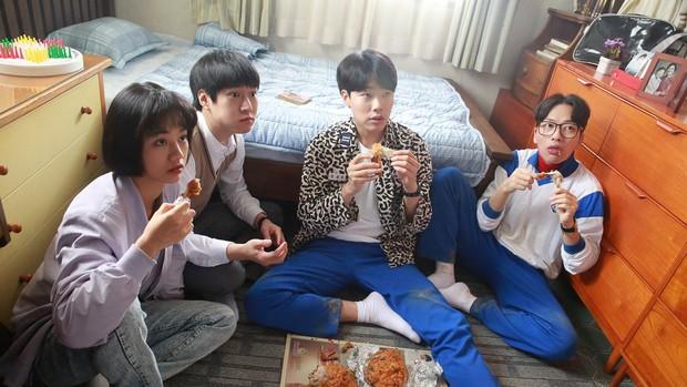 6 hội bạn cực phẩm ở phim Hàn: Đội F5 Hospital Playlist gây mê khán giả, Song Joong Ki dẫn đầu rạp xiếc trung ương - Ảnh 20.