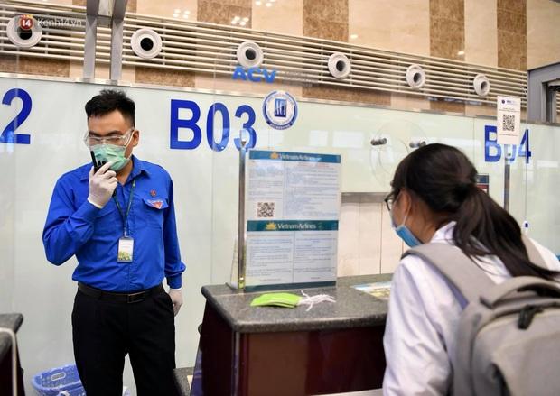 Hơn 300 cán bộ, sinh viên Hải Dương cấp tốc lên đường chi viện TP.HCM chống dịch - Ảnh 3.
