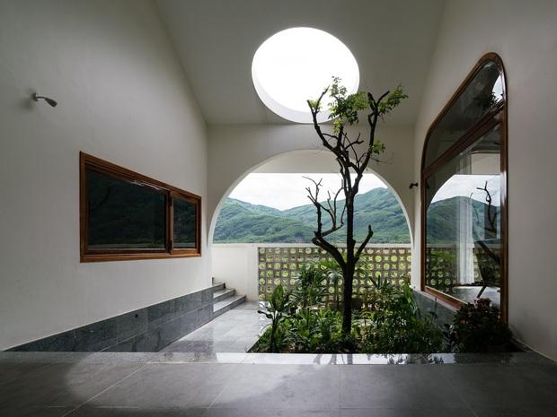 Chuẩn con trai nhà người ta: Chàng 8x xây nhà 200m2 giữa núi đồi Bình Định tặng bố mẹ, đặt tên An Lão  - Ảnh 12.