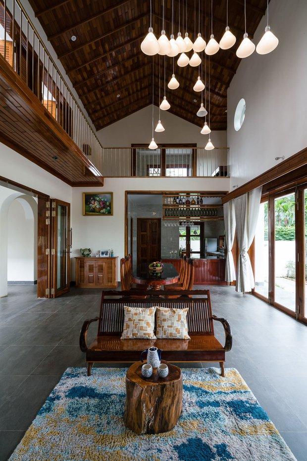 Chuẩn con trai nhà người ta: Chàng 8x xây nhà 200m2 giữa núi đồi Bình Định tặng bố mẹ, đặt tên An Lão  - Ảnh 13.