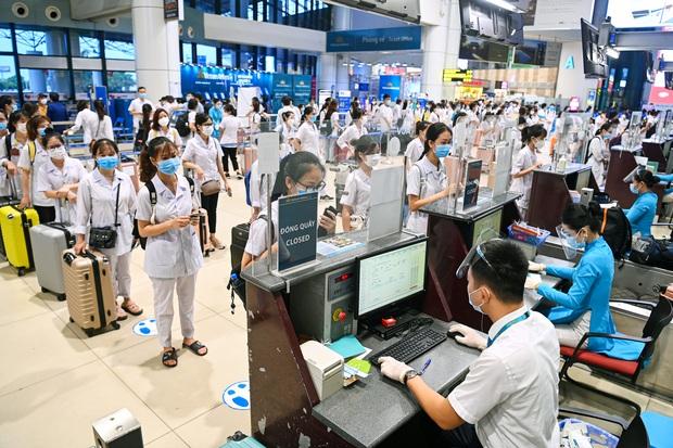 Hơn 300 cán bộ, sinh viên Hải Dương cấp tốc lên đường chi viện TP.HCM chống dịch - Ảnh 6.
