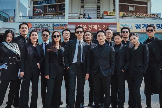 6 hội bạn cực phẩm ở phim Hàn: Đội F5 Hospital Playlist gây mê khán giả, Song Joong Ki dẫn đầu rạp xiếc trung ương - Ảnh 5.