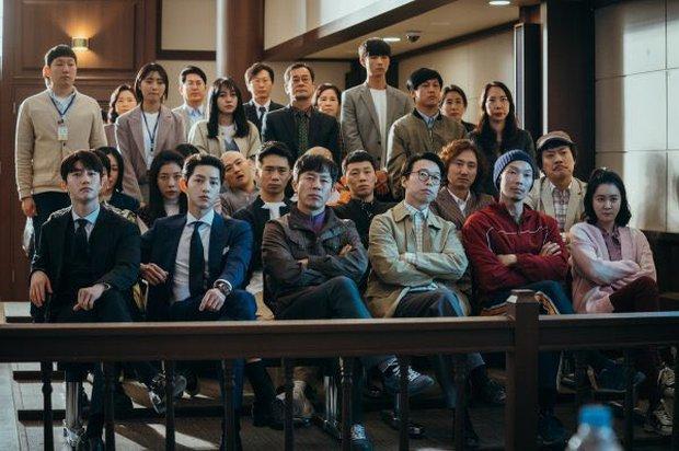 6 hội bạn cực phẩm ở phim Hàn: Đội F5 Hospital Playlist gây mê khán giả, Song Joong Ki dẫn đầu rạp xiếc trung ương - Ảnh 6.
