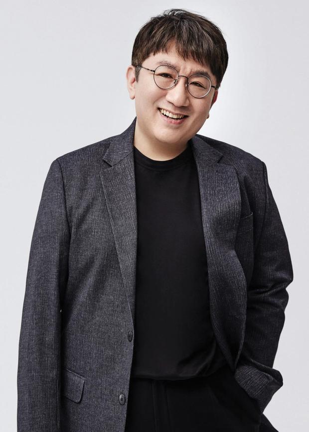 Bang Si Hyuk bất ngờ từ chức CEO của HYBE: người hoang mang khó hiểu, kẻ réo gọi tên thành viên BTS lên thay - Ảnh 1.
