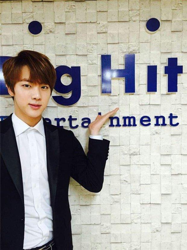 Bang Si Hyuk bất ngờ từ chức CEO của HYBE: người hoang mang khó hiểu, kẻ réo gọi tên thành viên BTS lên thay - Ảnh 4.