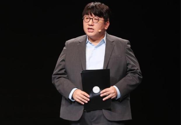 Bang Si Hyuk bất ngờ từ chức CEO của HYBE: người hoang mang khó hiểu, kẻ réo gọi tên thành viên BTS lên thay - Ảnh 5.