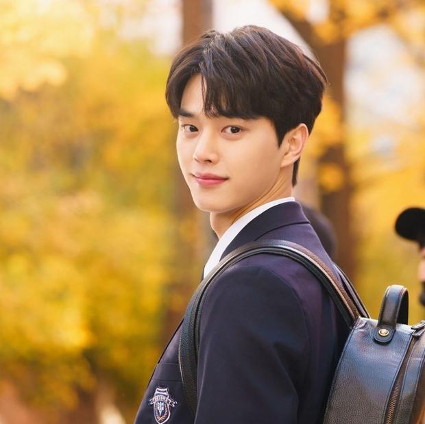 6 sao Hàn đổi đời sau một vai diễn: Lee Do Hyun hốt đậm vì làm người tình IU, Han So Hee thăng hạng nhờ drama 19+ - Ảnh 4.