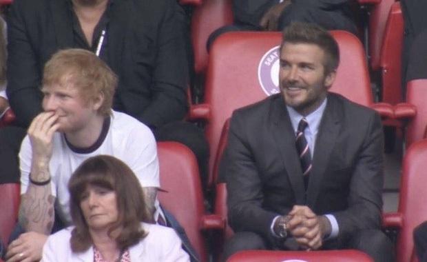 Giả bộ bất ngờ: Nam nghệ sĩ nổi tiếng ngồi cạnh David Beckham xem tuyển Anh thắng Đức nay kết hợp với BTS thật rồi này! - Ảnh 3.