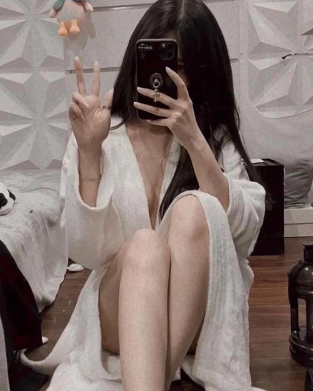 Streamer Thủy Tiên đánh úp fan bằng tấm ảnh gây lú: Bán khoả thân hay áo thun màu da? - Ảnh 6.