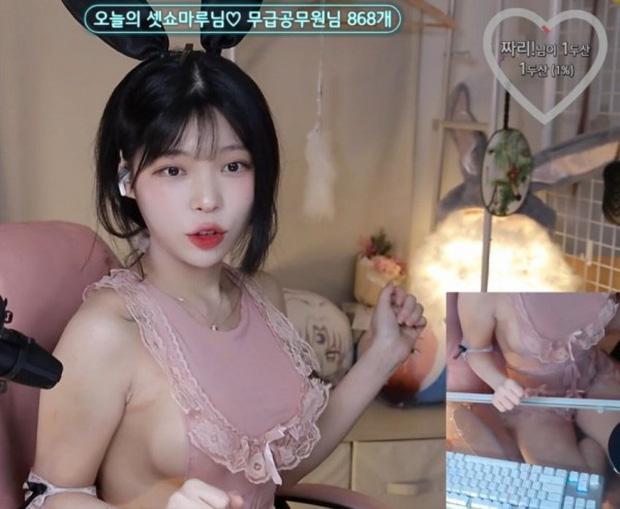 Tuyên bố thả rông không lo bị phạt, nữ streamer gợi cảm gây sốc khi thêm hẳn camera chỉ để quay vòng một của mình - Ảnh 7.