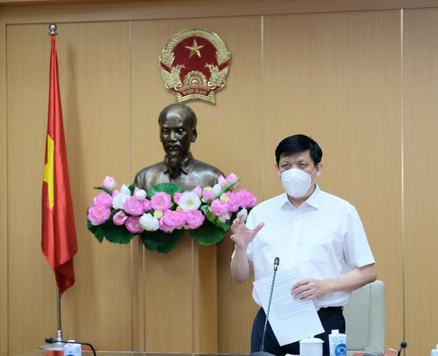 Bộ trưởng Bộ Y tế: Đảm bảo an toàn tối đa cho người tiêm vắc xin COVID-19 trong chiến dịch tiêm chủng lớn nhất lịch sử - Ảnh 1.