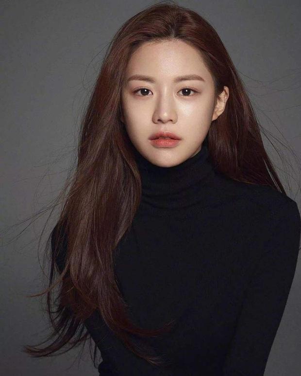 Nữ diễn viên có ảnh profile đỉnh nhất theo Knet: Jisoo - Kim Yoo Jung so kè khốc liệt, mỹ nhân mặt đơ của IZ*ONE bất ngờ có tên - Ảnh 16.