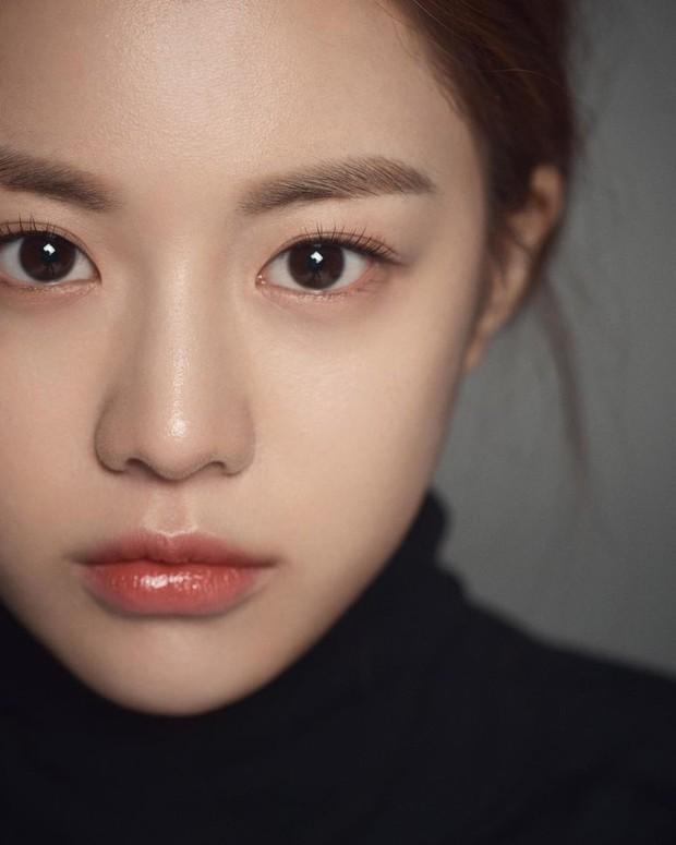 Nữ diễn viên có ảnh profile đỉnh nhất theo Knet: Jisoo - Kim Yoo Jung so kè khốc liệt, mỹ nhân mặt đơ của IZ*ONE bất ngờ có tên - Ảnh 14.