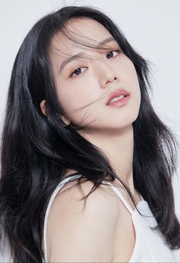 Nữ diễn viên có ảnh profile đỉnh nhất theo Knet: Jisoo - Kim Yoo Jung so kè khốc liệt, mỹ nhân mặt đơ của IZ*ONE bất ngờ có tên - Ảnh 3.