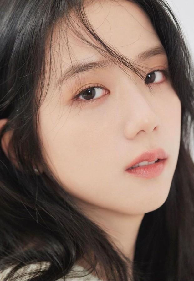 Nữ diễn viên có ảnh profile đỉnh nhất theo Knet: Jisoo - Kim Yoo Jung so kè khốc liệt, mỹ nhân mặt đơ của IZ*ONE bất ngờ có tên - Ảnh 4.