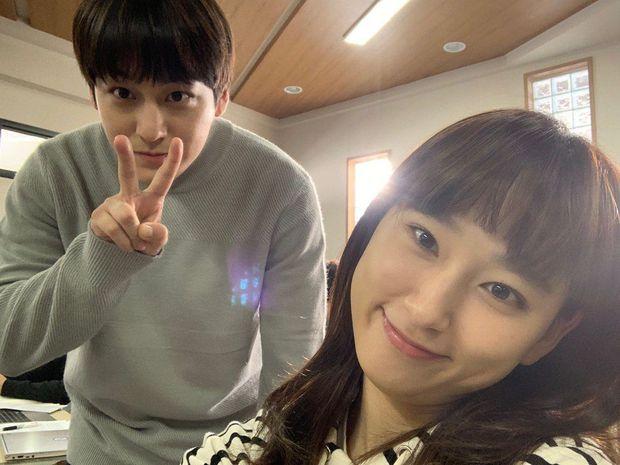 Phát hiện cặp đôi mới Kbiz: Không phải nam chính Lee Dong Wook, nam phụ Kim Bum và Jo Bo Ah lộ hint hẹn hò - Ảnh 10.