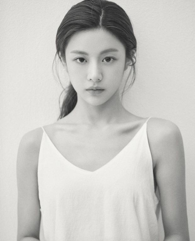 Nữ diễn viên có ảnh profile đỉnh nhất theo Knet: Jisoo - Kim Yoo Jung so kè khốc liệt, mỹ nhân mặt đơ của IZ*ONE bất ngờ có tên - Ảnh 17.