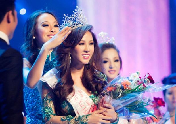"""Giữa drama, Hoa hậu Thu Hoài bị đào lại từng 5 lần 7 lượt bị tố mua giải """"ao làng"""", lật lại thành tích mới gây tranh cãi dữ dội! - Ảnh 2."""