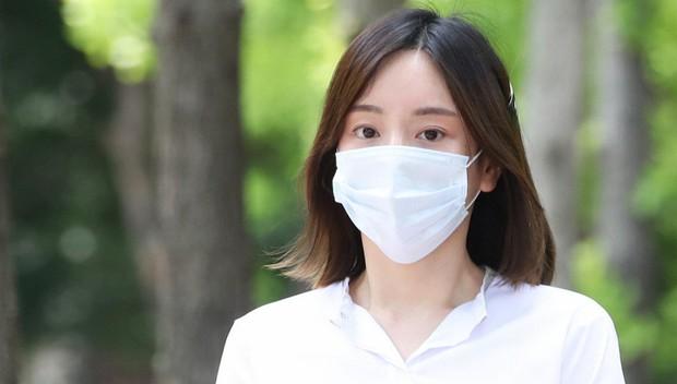 Hôn thê tài phiệt thị phi của Park Yoochun chính thức bị kết án tù vì ma tuý đá, mức án giảm khiến dân tình phẫn nộ - Ảnh 2.