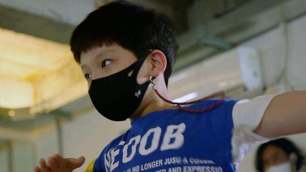 Khi những lò đào tạo Idol thay thế trường tiểu học ở Hàn Quốc: Tôi muốn thấy con trai trở thành một ngôi sao Kpop - Ảnh 8.