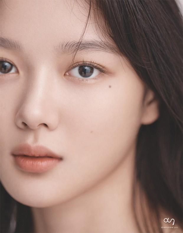 Nữ diễn viên có ảnh profile đỉnh nhất theo Knet: Jisoo - Kim Yoo Jung so kè khốc liệt, mỹ nhân mặt đơ của IZ*ONE bất ngờ có tên - Ảnh 9.