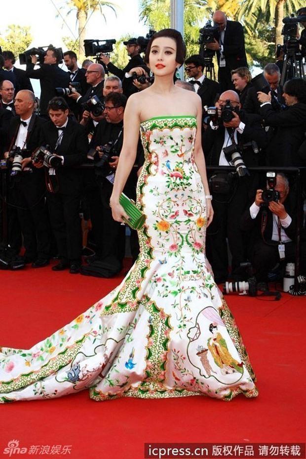 2 nữ thần châu Á đẹp nhất lịch sử Cannes: Phạm Băng Băng chặt chém 1001 váy áo khủng, Chompoo Araya bụng bầu vẫn đẹp lồng lộn - Ảnh 7.