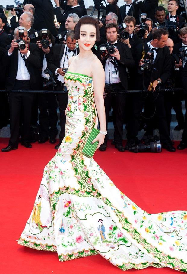 2 nữ thần châu Á đẹp nhất lịch sử Cannes: Phạm Băng Băng chặt chém 1001 váy áo khủng, Chompoo Araya bụng bầu vẫn đẹp lồng lộn - Ảnh 6.