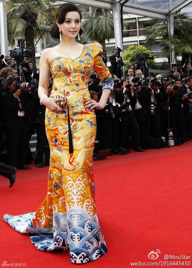 2 nữ thần châu Á đẹp nhất lịch sử Cannes: Phạm Băng Băng chặt chém 1001 váy áo khủng, Chompoo Araya bụng bầu vẫn đẹp lồng lộn - Ảnh 3.
