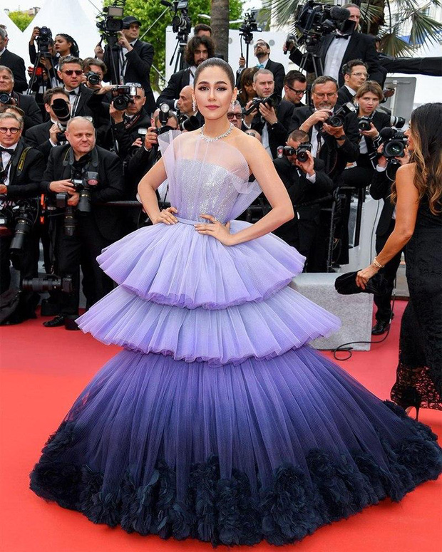 2 nữ thần châu Á đẹp nhất lịch sử Cannes: Phạm Băng Băng chặt chém 1001 váy áo khủng, Chompoo Araya bụng bầu vẫn đẹp lồng lộn - Ảnh 32.