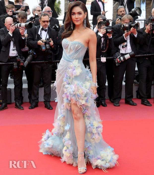 2 nữ thần châu Á đẹp nhất lịch sử Cannes: Phạm Băng Băng chặt chém 1001 váy áo khủng, Chompoo Araya bụng bầu vẫn đẹp lồng lộn - Ảnh 33.
