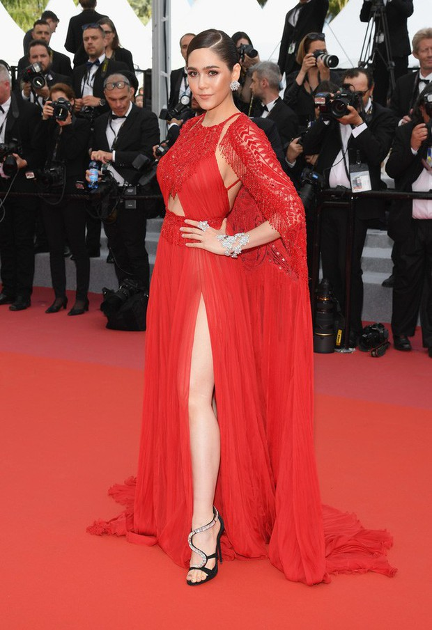 2 nữ thần châu Á đẹp nhất lịch sử Cannes: Phạm Băng Băng chặt chém 1001 váy áo khủng, Chompoo Araya bụng bầu vẫn đẹp lồng lộn - Ảnh 27.