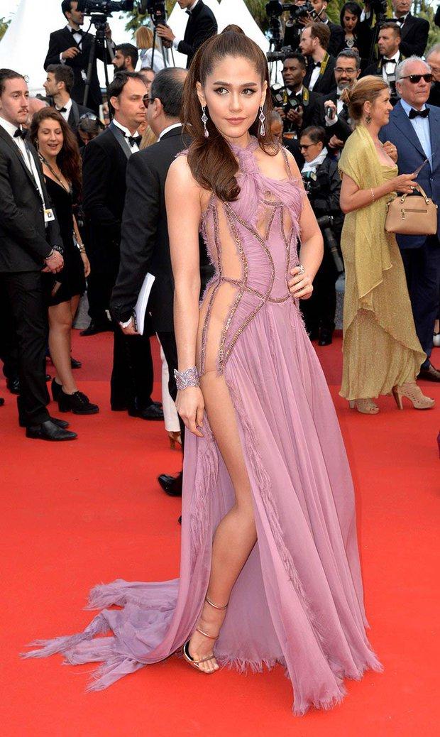 2 nữ thần châu Á đẹp nhất lịch sử Cannes: Phạm Băng Băng chặt chém 1001 váy áo khủng, Chompoo Araya bụng bầu vẫn đẹp lồng lộn - Ảnh 21.